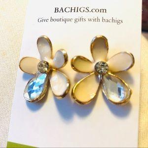Flower earrings, pierced, beige